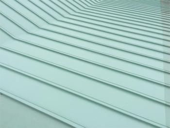 雨漏り箇所を特定させ、遮熱防水塗料で雨漏り対策は万全です。