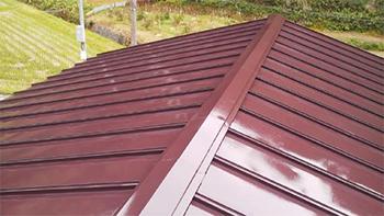 完全に屋根が傷んでしまう前に塗装してもらって良かったです。
