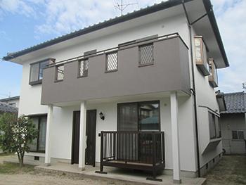 中古住宅購入に伴い外観と玄関サッシをガラッとリフレッシュ