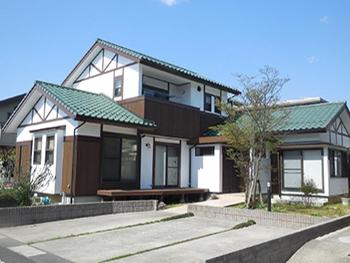高耐久ピュアアクリル防水仕様&防虫防腐木部塗装で家屋保護