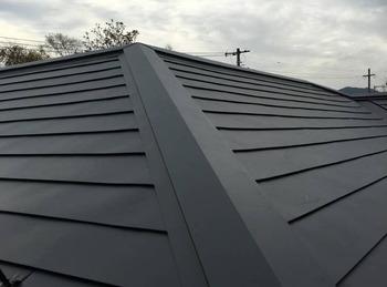 劣化の進行したコロニアル屋根をGL