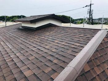 塗装のご要望でしたが現状の劣化状況を考慮して屋根材のリニューアルを提案させていただきました